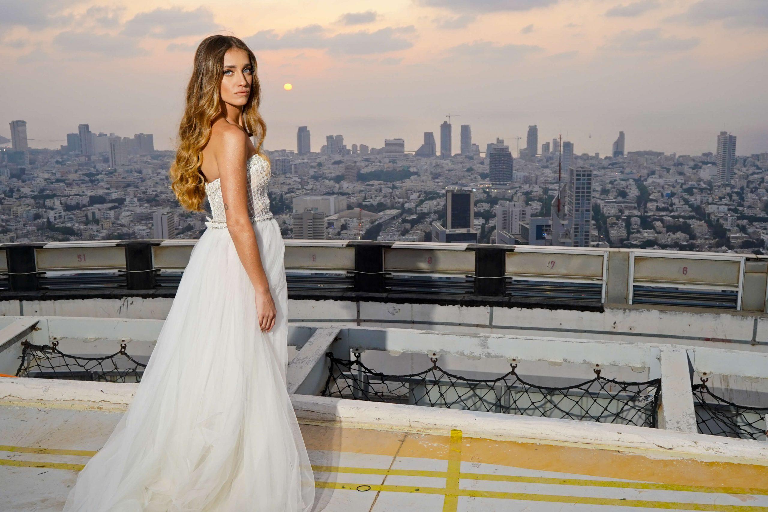 חוגגים אהבה על גג העולם אולם אירועים בקומה ה49 במגדלי עזראלי